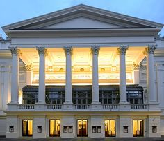 London's Royal Opera House in Covent Garden at dawn. The facade, foyer and…