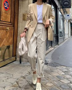 : Todays Articles of Interest from Around the Internets -News : Todays Articles of Interest from Around the Internets - ig: is_ Elborn Doris femme fatale (Elie Saab) Look Fashion, Daily Fashion, Korean Fashion, Winter Fashion, Fashion Outfits, Womens Fashion, Beige Outfit, Mode Pastel, Mode Simple
