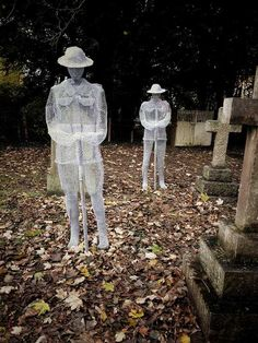 The wire soldiers - ghosts of soldiers silently standing over their graves in the St John's Churchyard, Slimbridge, England. Remembrance Day Art, Sculpture Art, Sculptures, Ghost Soldiers, Ww1 Art, Cemetery Headstones, Cemetery Art, Anzac Day, A Level Art