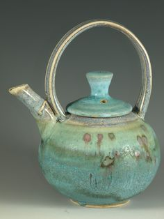 I'm in love with this for every reason...color, form, pottery, mmmmmm