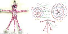 японские схемы игрушек из бисера - Поиск в Google Loom Beading, Beading Patterns, Beaded Crafts, Diy Crafts, Panthères Roses, Diy Jewelry, Beaded Jewelry, Beaded Animals, Craft Patterns