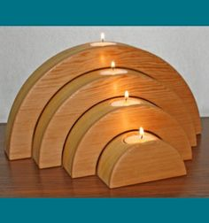 Scroll Saw Patterns :: Lighted projects :: Candle holders & Luminaries :: Half-circle tealight stands - Mais Bougie Candle, Wooden Candle Holders, Christmas Wood, Christmas Tables, Nordic Christmas, Modern Christmas, Christmas Projects, Scroll Saw Patterns, Cross Patterns