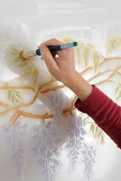 Tutorial: Wall Stenciling with stencil brushes