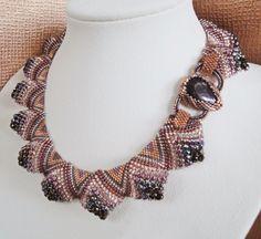 Мозаичное плетение бисером: колье из бисера и бусин