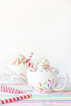DIY Sprinkle Mugs. Eeeeeeeee!!