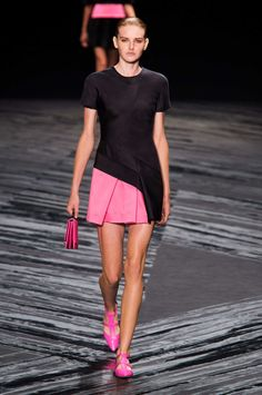 So cute! Tennis? Golf? Its the perfect sporty fashion look yet! J. Mendel S/S15 #ss15 #nyfw