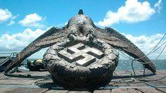 Rescatada en 2006 de las aguas de Montevideo, donde se hundió el acorazado Graf Spee en 1939, permanece guardada en un almacén bajo propiedad del Estado. Cómo es la peleada disputa por su venta