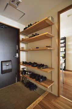 関連画像 Garage Storage Units, Building Shelves, Regal Design, Natural Interior, Hall Design, Shoe Rack, Shelving, Diy Home Decor, House Design