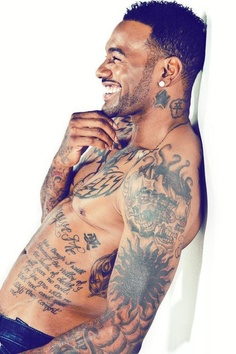 gorgeous!!!!!! Its true I love that damn tatted up look.