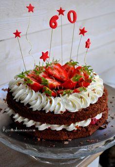 Pour l'anniversaire de mon beau père qui a fêté ses 60ans, j'ai choisi de lui faire un layer cake, un gâteau style anglo-saxon qui rappelle un peu la forêt noire, ou ce genre d'entremet sauf qu'ici la préparation est plus simple et rapide! Pour 8 personnes... My Recipes, Sweet Recipes, Cake Chocolat, Sweet Cakes, My Favorite Food, Cooking Time, Bakery, Food And Drink, Yummy Food