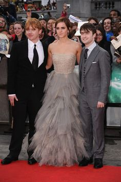 Literally in love with Emma's Dress.