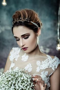 Hottest Pics Bridal Headpiece crystal Ideas Wedding planning wild hair accessories tend to be a vital portion of the ideal wedding party hair st Bridal Hair Chain, Bridal Hair Flowers, Wedding Headdress, Gold Headpiece, Wedding Party Hair, Bridal Headpieces, Bridal Updo, Hair Vine, Weddings