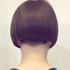 Precision blunt undercut bob with shaved and clippered shaped nape. Untitled | by superkurzerbob)