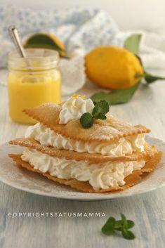 Millefoglie di chiacchiere cremosa al limone Small Cake, Italian Pasta, Frappe, 20 Min, High Tea, Gelato, Wine Recipes, Italian Recipes, Food And Drink