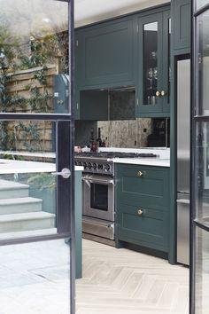 Calbourne — Blakes London Green Kitchen, New Kitchen, Kitchen Small, Kitchen Ideas, Kitchen Diner Extension, Open Plan Kitchen Living Room, Best Kitchen Cabinets, Kitchen Images, Interior Design Kitchen