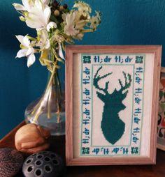 Teal deer van 8BitchStitch op Etsy