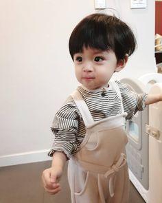 Cute Asian Babies, Korean Babies, Asian Kids, Cute Babies, Cute Baby Boy, Lil Baby, Cute Boys, Yoonmin, Ulzzang Kids