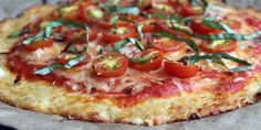 Go Grain-Free With a Low-Carb Cauliflower Pizza Crust. It has cheese, but it's closer to paleo than I normally get with pizza. Pizza Recipes, Low Carb Recipes, Vegetarian Recipes, Cooking Recipes, Healthy Recipes, Vegetarian Pizza, Veggie Pizza, Healthy Comfort Food, Healthy Snacks