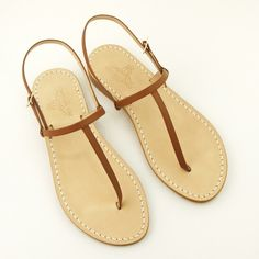 Classic capri sandals DEA SANDALS CAPRI COLLECTION  www.deasandals.com #capri #sandali #flats #outfit #embellished #caprisandals #sandaligioiello #jewelsandals #sandalsflat #infradito #deasandals #madeinitaly #handamde #italianstyle