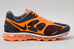 NIKE AIR MAX 2012 (LAVA)  de Sneaker Freaker    This Air Max 2012 lights it up with this scorching new colourway. The flame orange and charcoal upper smolders above a full length Air bag that's hotter than lava!