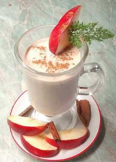 Alma smoothie alma, tej, zabpehely, joghurt Healthy Sweets, Healthy Recipes, Drinking Tea, Street Food, Food Styling, Smoothies, Food And Drink, Cooking Recipes, Ethnic Recipes