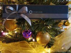 Každá zákazníčka dostane svoj šperk zo Swarovski® krištáľov v krásnom darčekovom balení Christmas Wreaths, Christmas Bulbs, Swarovski, Crystals, Holiday Decor, Bracelets, Home Decor, Decoration Home, Christmas Light Bulbs