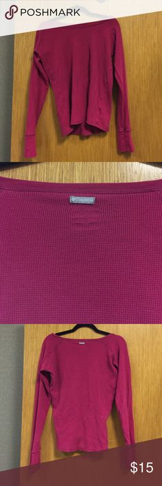 Magenta Columbia Thermal Top Magenta thermal top. Super cozy and comfy. I don't do trades, but feel free to make an offer! Columbia Tops Tees - Long Sleeve