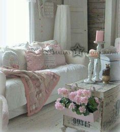 Shabby Chic Decor styling Creatively shabby notes to organize a warm shabby chic home decor living rooms Shabby chic decor image posted on this day 20181217 Interiores Shabby Chic, Muebles Shabby Chic, Estilo Shabby Chic, Shabby Chic Pink, Vintage Shabby Chic, Shabby Chic Style, Shabby Chic Decor, Shabby Chic Interiors, Shabby Chic Living Room