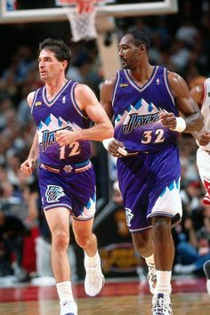 John Stockton & Karl Malone - Utah Jazz Those were the days! They were magic together the way they could read one another's mind w/o even looking at each other on the court! Ucla Basketball, Basketball Is Life, Basketball Pictures, Basketball Legends, Sports Pictures, Basketball Players, John Stockton, Utah Jazz, Nba Stars