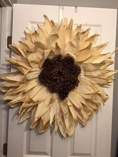 How to make a corn husk wreath!