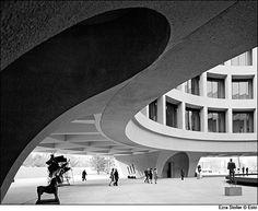 Ezra Stoller Gallery | Ezra Stoller's photographs of the Hirshhorn Museum, taken in 1974.