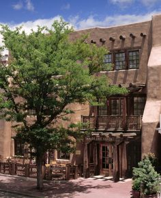 The Rosewood Inn of the Anasazi in Santa Fe, New Mexico where all @5staralliance receive complimentary American breakfast for 2 daily at the Anasazi Restaurant and a $100 food and beverage credit. Also, based on availability at the time of check-in/departure - a room upgrade, early check-in, and late check-out.