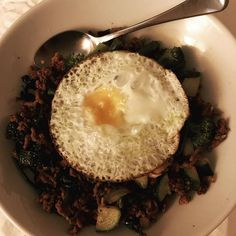 Broke my fast with a take on the @josefrakich keto breakfast bowl which I love. And added a fried free range egg. Cooked the mince in some @mingleseasoning available from @lowcarbemporium and soy sauce. Hit the spot perfectly  X . . . . @josefrakich  @mimisfitnesspage  @jrf_transformation  #missrdaisy #racheldaisy #melbourne #melbourneblogger #blogger #jrf #jrfchallenge #jrftransformation #jrfmealplan #keto #ketodiet #ketoblogger #ketomeal #ketoweightloss #ketoaustralia #ketogirl  #ketolifestyle