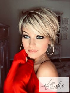 19 creative short hair for Beautiful girl – Page 5 – Hairstyle Bobs For Thin Hair, Short Hairstyles For Thick Hair, Cute Short Haircuts, Short Hair With Layers, Short Hair Cuts, Short Hair Styles, Layered Hairstyles, Highlights For Short Hair, Pixie Haircuts