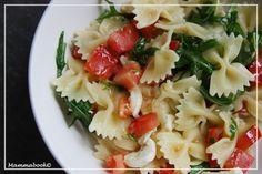 Mammabook: Insalata di pasta tricolore: rucola, mozzarella di bufala e pomodoro - Pasta salad with rucola, mozzarella di bufala and tomatoes