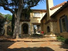 Entry Courtyard - Tuscan style home - Frisco, Texas