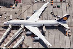 D-ABYK. Boeing 747-830.