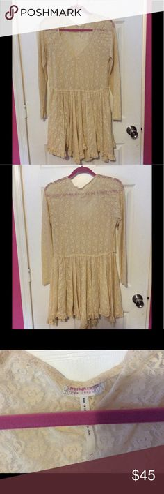 FREE PEOPLE LACE SLIP DRESS Versatile as either an under slip or as a dress with a slip underneath. All year round wearable color. Perfect condition. Free People Dresses Midi