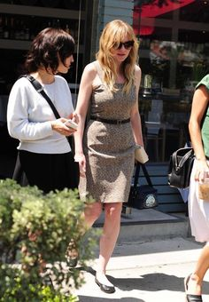 Kirsten Dunst Photos: Kirsten Dunst Lunches in Beverly Hills