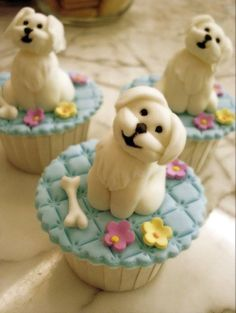 Fondant Doggies on Cupcakes