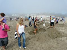 Begonia Festival & Sand Castle #santacruz Begonia, Festivals, Castle, Events, Holidays, Couple Photos, Couples, Santa Cruz, Couple Shots