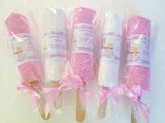 35 Ideas baby shower souvenirs girl tutus for 2019 Baby Shower Niño Manualidades, Recuerdos Baby Shower Niña, Regalo Baby Shower, Baby Shower Table, Baby Shower Cupcakes, Baby Shower Favors, Baby Shower Themes, Baby Shower Gifts, Shower Ideas