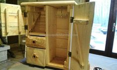pallet-jewelry-cabinet
