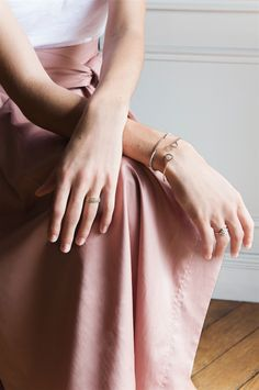 Design Textile, Contemporary Jewellery, Fascinator, Fine Jewelry, Fashion, Diy Jewelry Making, Jewelry Designer, Fashion Styles, Moda