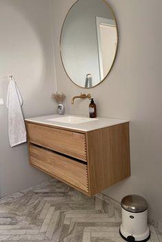 Snedker Bad Koncept møbel til dit Badeværelse Small Bathroom Layout, Bathroom Goals, Bathroom Interior, Modern Bathroom, Bathroom Inspiration, Interior Inspiration, Blush Bathroom, Facade Design, Dream Bathrooms