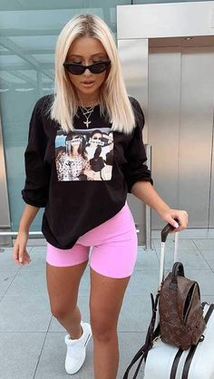 100 Best Outfit İdeas ideas Cycling Shorts Outfit I Cycling Shorts Outfit cycling Ideas outfit outfitideas Shorts Cute Comfy Outfits, Chill Outfits, Sporty Outfits, Mode Outfits, Stylish Outfits, Fashion Outfits, Spring Outfits, Cute Everyday Outfits, Comfy Travel Outfit