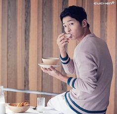 #songjoongki - Keresés a Twitteren Asian Actors, Korean Actresses, Korean Actors, Descendants, Song Joong Ki Birthday, Song Joon Ki, Sun Song, Descendents Of The Sun, Sun