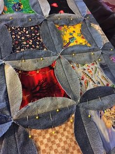 Terrific Pic denim Sewing projects Ideas Denim I Spy Rag Quilt - Upcycle Old Jeans - Hangry Fork Denim Quilts, Denim Quilt Patterns, Blue Jean Quilts, Quilting Patterns, Bag Patterns, Circle Quilt Patterns, Quilting Templates, Quilting Ideas, Block Patterns