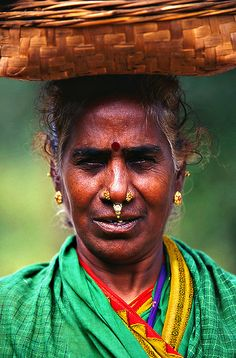 Essence Of India, Tribal India, Indian Face, Indian People, Tribal People, India Colors, Ancient Civilizations, Female Portrait, Art And Architecture