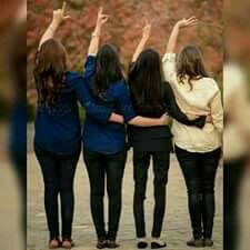 Friendship goals 😘😘 - f'®nd§h¡p g°°s , Stylish Photo Pose, Stylish Girls Photos, Little Girl Photos, Profile Picture For Girls, Best Friend Photography, Girl Photography Poses, Best Friends Funny, Best Friends Forever, Crazy Friends